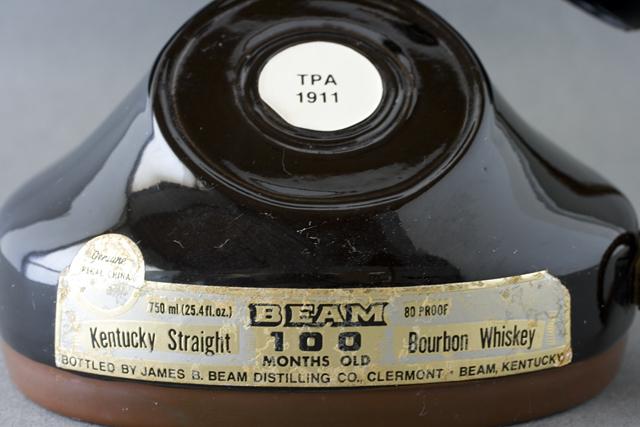 BEAM:ビーム社の「電話機型ボトル容器」未開栓バーボンウイスキー-02