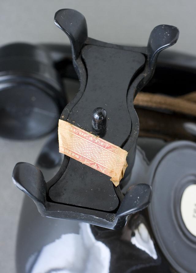 BEAM:ビーム社の「電話機型ボトル容器」未開栓バーボンウイスキー-08