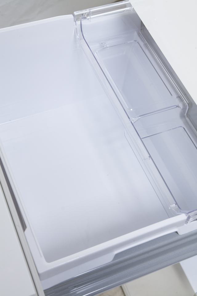 HITACHI:日立のコンパクト3ドア冷蔵庫「R-27DS」-06