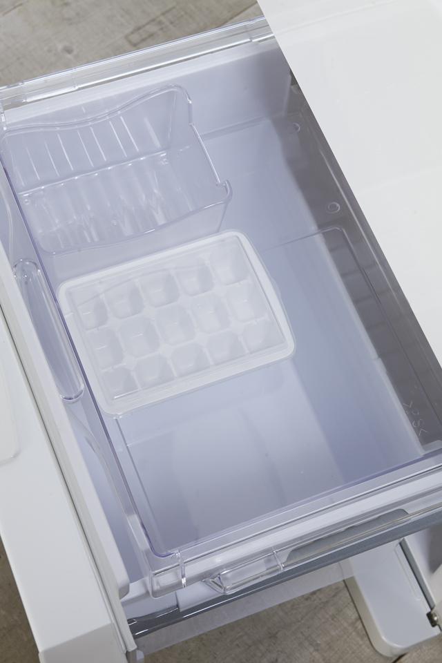 HITACHI:日立のコンパクト3ドア冷蔵庫「R-27DS」-07