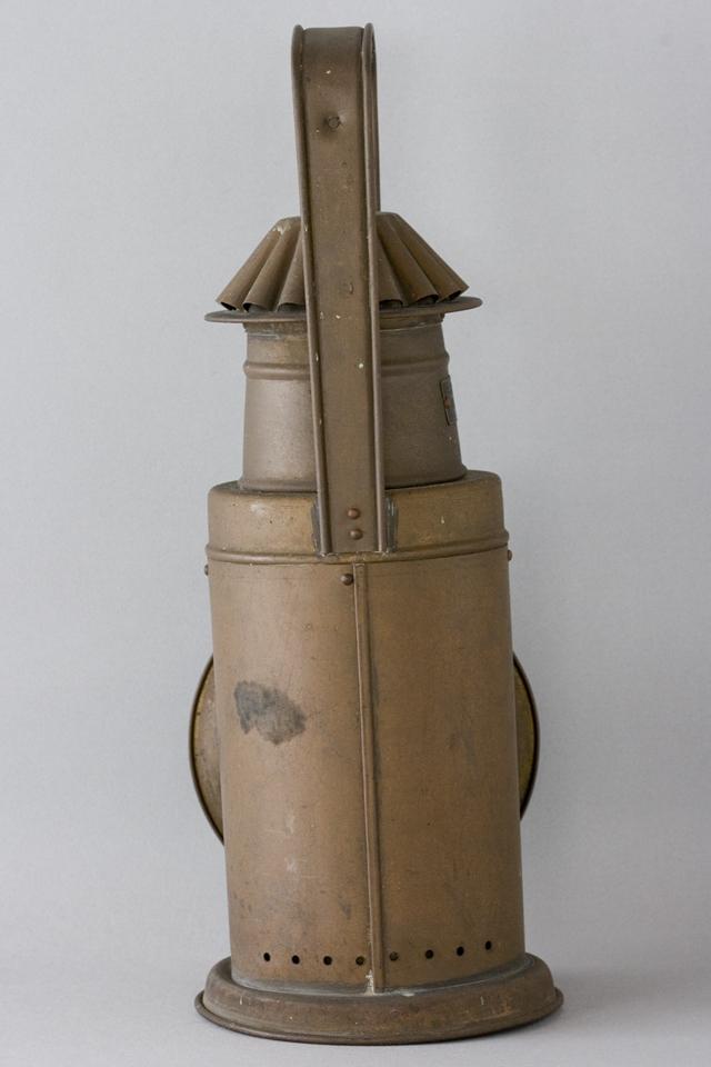 アンティークな「NIPPON SENTO CO LTD:日本船燈株式會社」の船舶照明器具-04