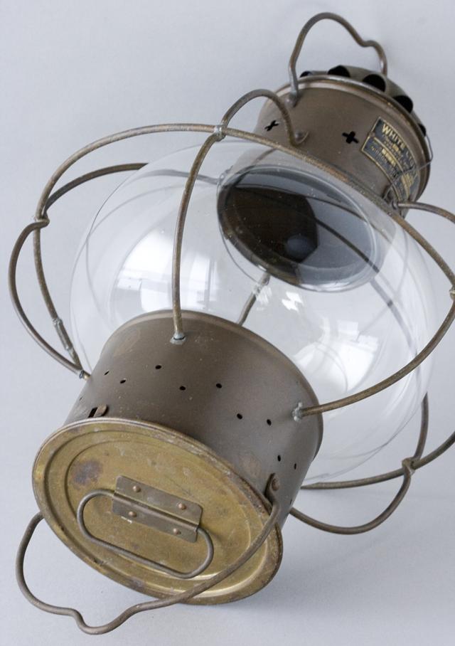 アンティークな船舶照明器具「NIPPON SENTO CO LTD:日本船燈株式會社」のボートランプ「WHITE LIGHTランタン」-10