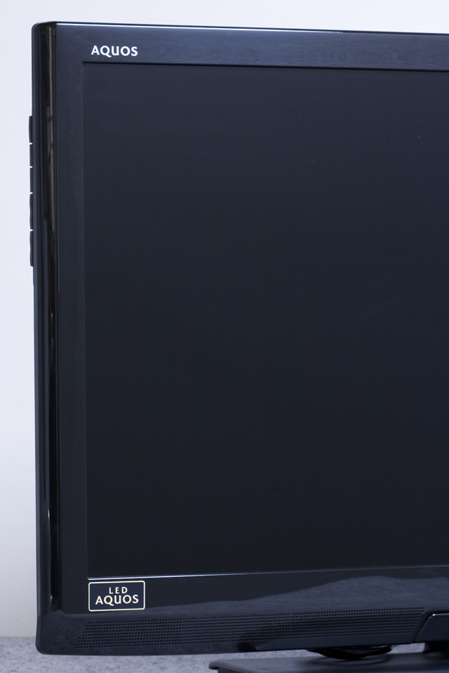 SHARP:シャープの32V型液晶テレビ:TV、LED AQUOS:アクオス「LC-32V7」-04
