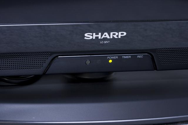 SHARP:シャープの32V型液晶テレビ:TV、LED AQUOS:アクオス「LC-32V7」-05