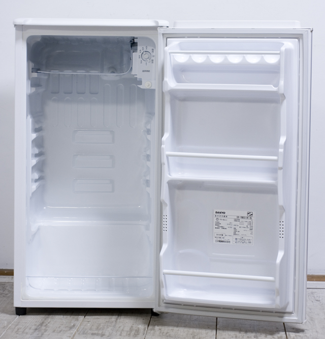 SANYO:サンヨーの直冷式1ドア冷蔵庫「SR-YM80」-08
