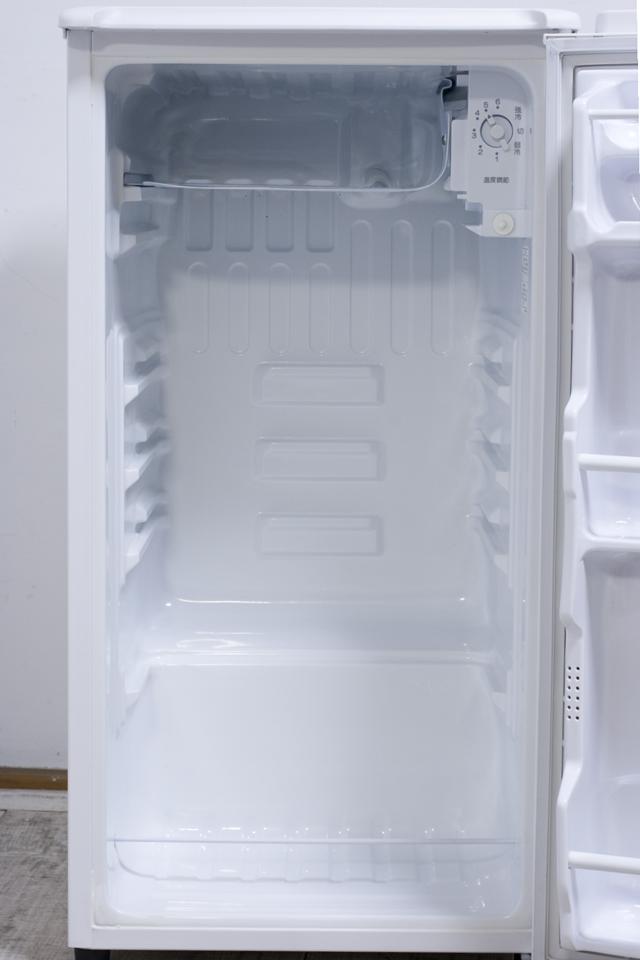 SANYO:サンヨーの直冷式1ドア冷蔵庫「SR-YM80」-09