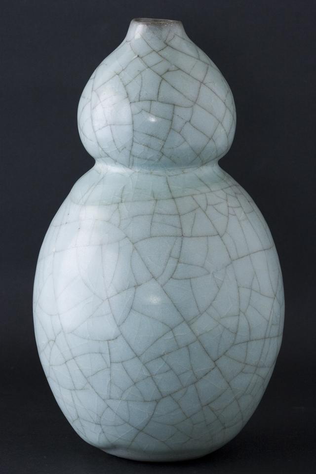 人間国宝陶芸家「清水卯一」青磁瓢形花瓶-04