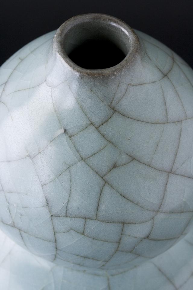 人間国宝陶芸家「清水卯一」青磁瓢形花瓶-06