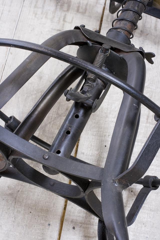 インダストリアルチェア|鉄脚回転椅子-06