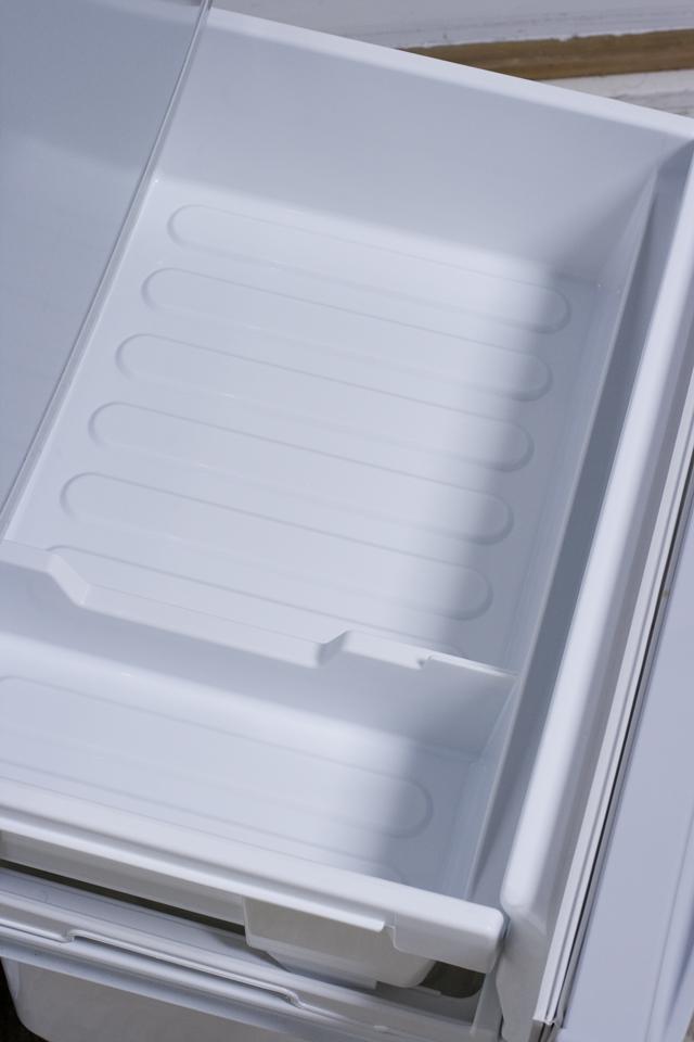 SHARP:シャープの2ドア冷蔵庫「SJ-14T」-06