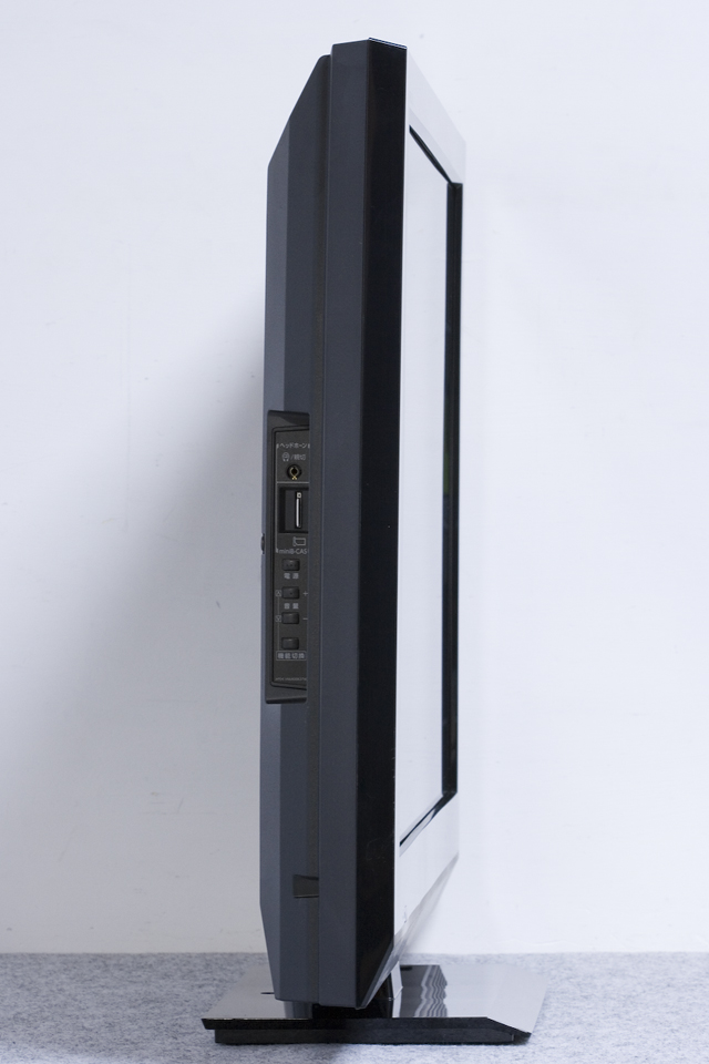 TOSHIBA:東芝の32V型液晶テレビ:TV、REGZA:レグザ「32AC4」-07