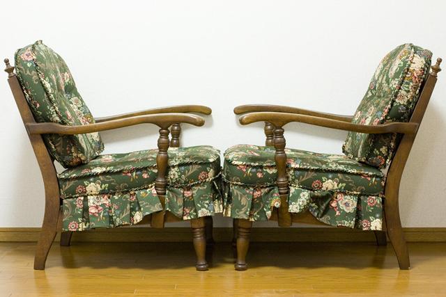 キツツキマークの飛騨産業「穂高」シリーズの1人掛けソファ「両肘付きチェア:No6A」2脚セット-05