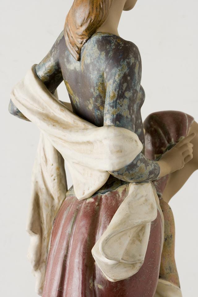 LLADRO:リヤドロの陶磁器人形:大型フィギュリン「12070|COIFFERE:コフレ|髪をすく姉妹」-15