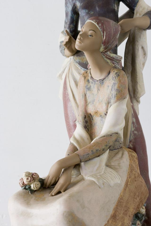 LLADRO:リヤドロの陶磁器人形:大型フィギュリン「12070|COIFFERE:コフレ|髪をすく姉妹」-21