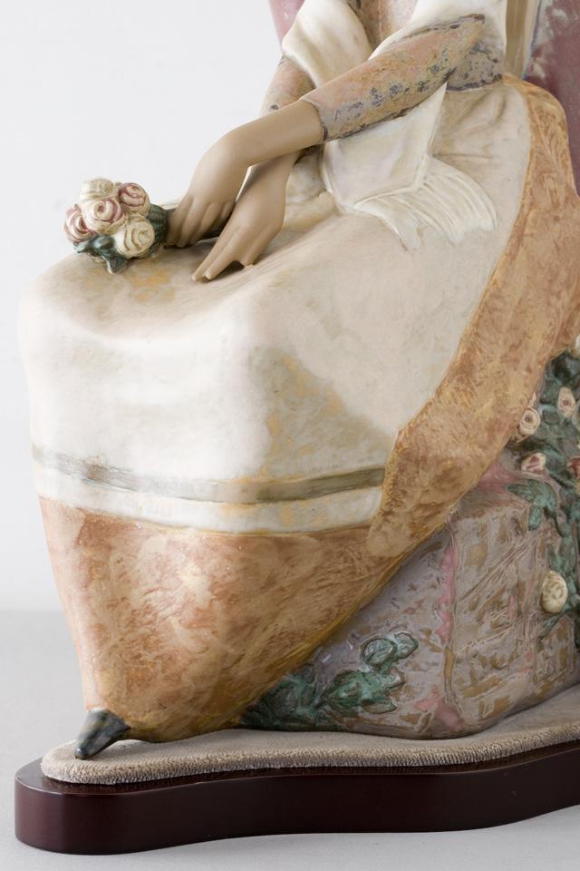 LLADRO:リヤドロの陶磁器人形:大型フィギュリン「12070|COIFFERE:コフレ|髪をすく姉妹」-28
