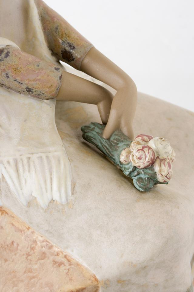 LLADRO:リヤドロの陶磁器人形:大型フィギュリン「12070|COIFFERE:コフレ|髪をすく姉妹」-29