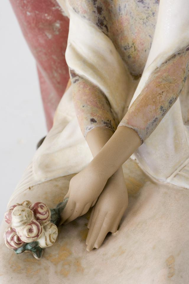 LLADRO:リヤドロの陶磁器人形:大型フィギュリン「12070|COIFFERE:コフレ|髪をすく姉妹」-31