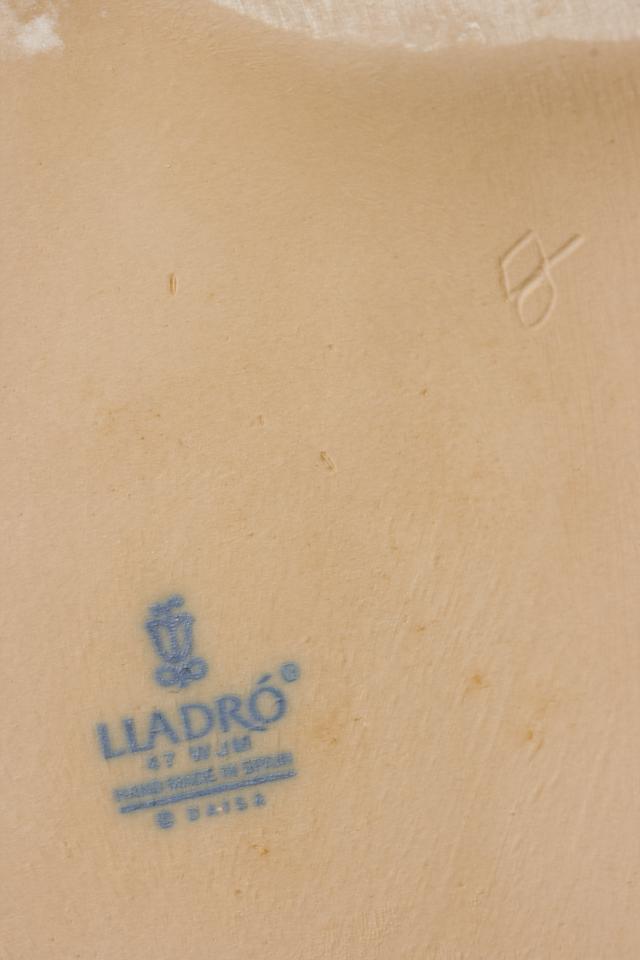 LLADRO:リヤドロの陶磁器人形:大型フィギュリン「12070|COIFFERE:コフレ|髪をすく姉妹」-37