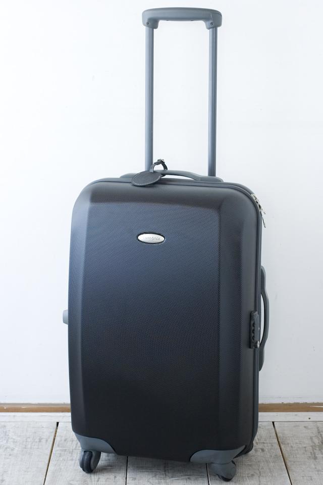 Samsonite:サムソナイトの4輪スーツケース-01