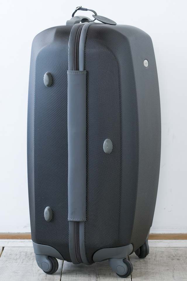 Samsonite:サムソナイトの4輪スーツケース-05