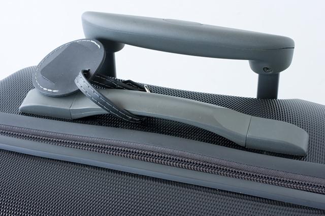 Samsonite:サムソナイトの4輪スーツケース-09
