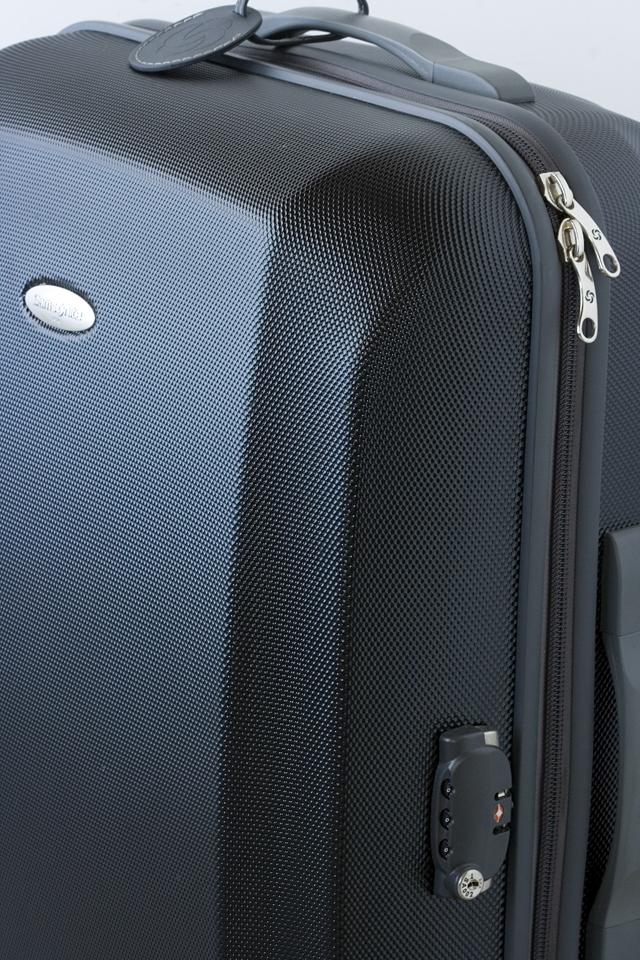 Samsonite:サムソナイトの4輪スーツケース-12