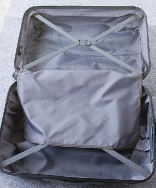Samsonite:サムソナイトの4輪スーツケース-16