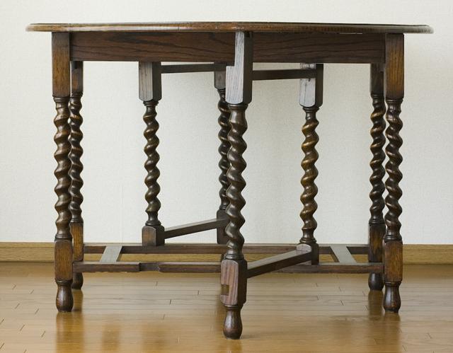 イギリスアンティーク、ツイストレッグの「バタフライテーブル」-03