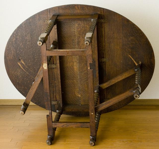 イギリスアンティーク、ツイストレッグの「バタフライテーブル」-15
