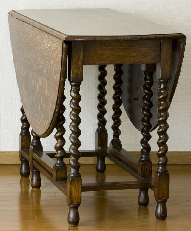 イギリスアンティーク、ツイストレッグの「バタフライテーブル」-18