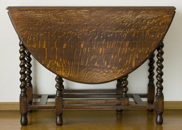 イギリスアンティーク、ツイストレッグの「バタフライテーブル」-19