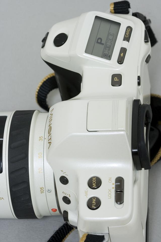 MINOLTA:ミノルタのフィルム一眼レフカメラ、ミール搭載記念限定ホワイトモデル「α8700i」-04