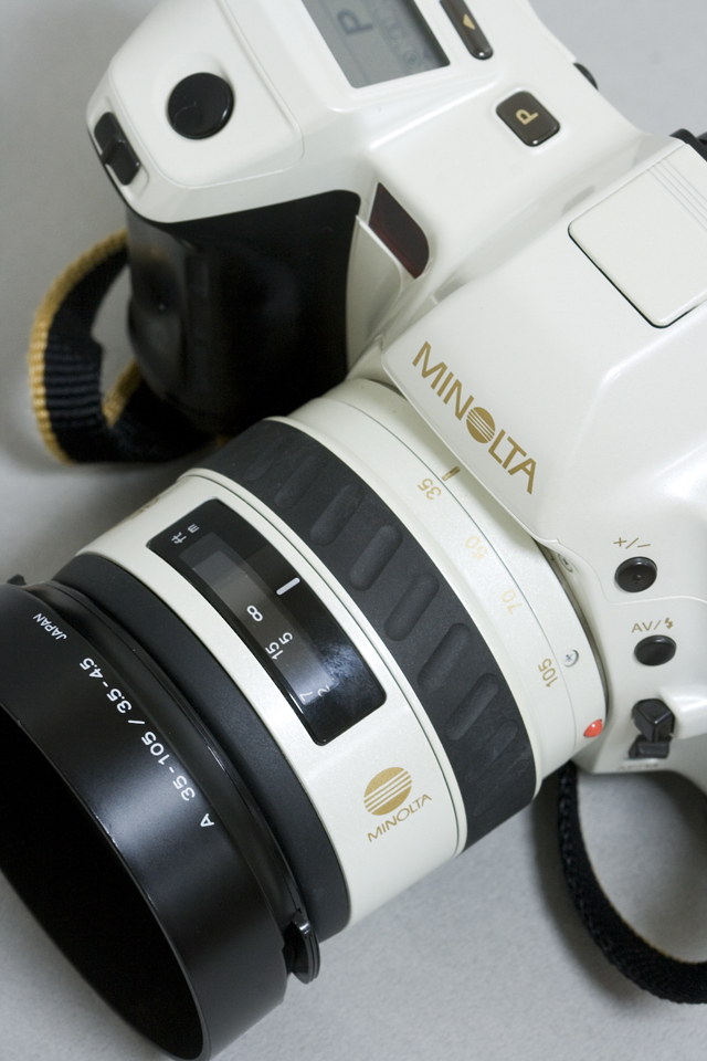 MINOLTA:ミノルタのフィルム一眼レフカメラ、ミール搭載記念限定ホワイトモデル「α8700i」-05