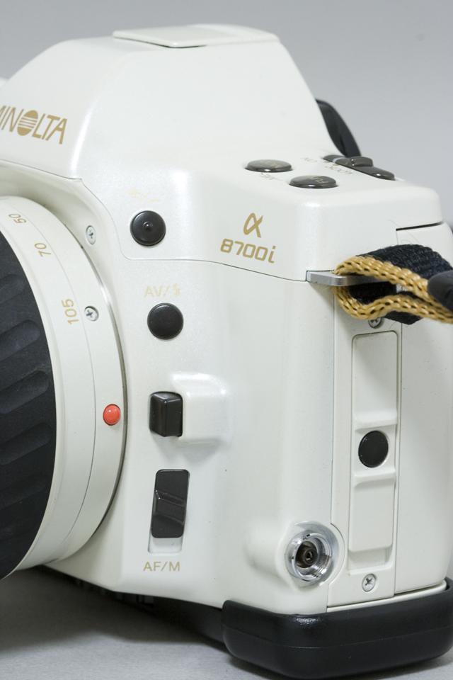 MINOLTA:ミノルタのフィルム一眼レフカメラ、ミール搭載記念限定ホワイトモデル「α8700i」-06