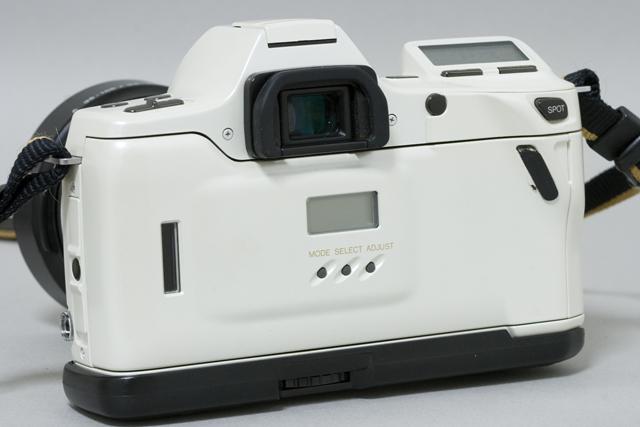 MINOLTA:ミノルタのフィルム一眼レフカメラ、ミール搭載記念限定ホワイトモデル「α8700i」-09