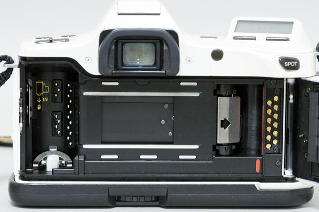 MINOLTA:ミノルタのフィルム一眼レフカメラ、ミール搭載記念限定ホワイトモデル「α8700i」-11