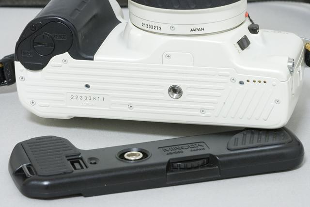 MINOLTA:ミノルタのフィルム一眼レフカメラ、ミール搭載記念限定ホワイトモデル「α8700i」-13