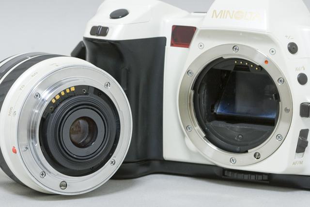MINOLTA:ミノルタのフィルム一眼レフカメラ、ミール搭載記念限定ホワイトモデル「α8700i」-16