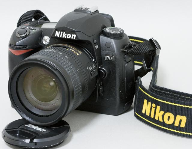 中古のNikon:ニコンデジタル一眼レフカメラ「D70sレンズキット」-02