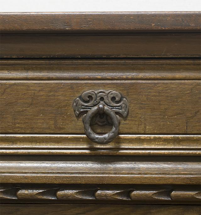 イギリスアンティーク|英国家具「Old Charm Furniture:オールドチャーム社」のオーク材カップボード-14